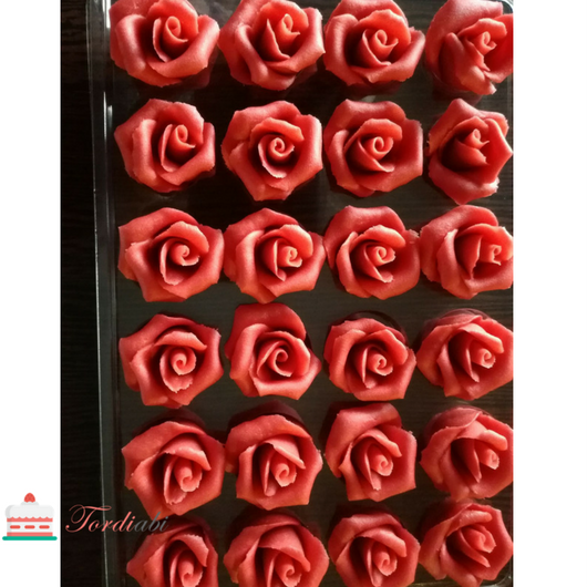 Tordiabi punased martsipaniroosid 24 tk