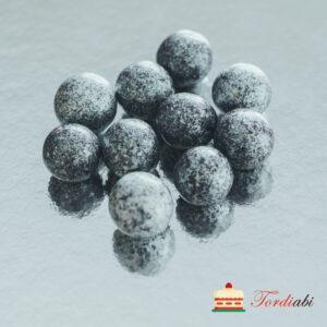 Tordiabi hõbedased suured krõbedad sokolaadipallid