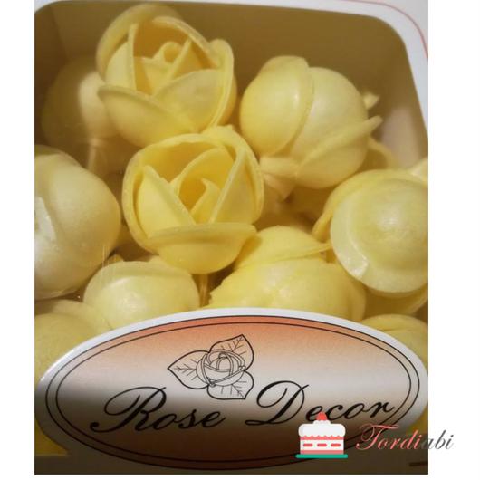 Tordiabi vahvlikaunistus kollased roosinupud