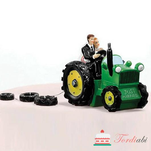 Tordiabi pulmatordi kaunistus pruutpaar traktoriga