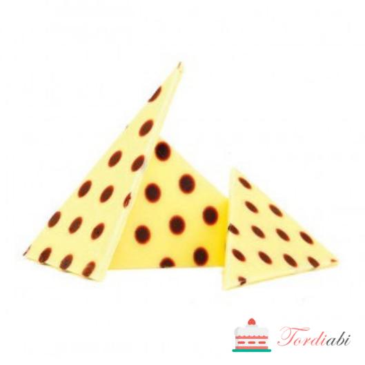 Tordiabi šokolaadikaunistus täpilised kolmnurgad