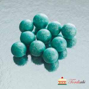 Tordiabi helesinised suured krõbedad sokolaadipallid