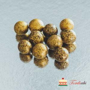 Tordiabi kuldsed suured krõbedad sokolaadipallid