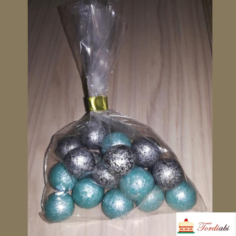 Tordiabi-hele-sinised-hõbedased-suured-šokolaadipärlid