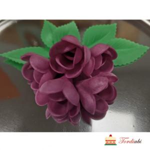 Tordiabi 5 lillat vahvlist roosi lehtedega