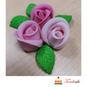 Tordiabi roosad toontoonis roosid lehtedega suhkrust