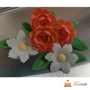Tordiabi vahvlilillede mix roosid ja aaskarukellad