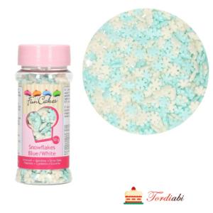 Tordiabi valged helesinised lumehelbed suhkrust puiste