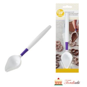 Tordiabi šokolaadiga nõristamise kühvel