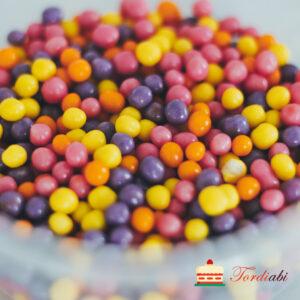 Tordiabi värvilised šokolaadiga kaetud teravilja pallid