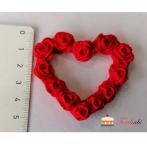 Tordiabi punane roosidest süda